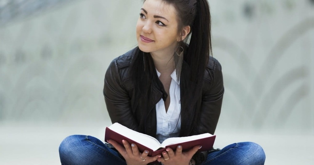 10 Ways to Engage More Deeply With God's Word This Year