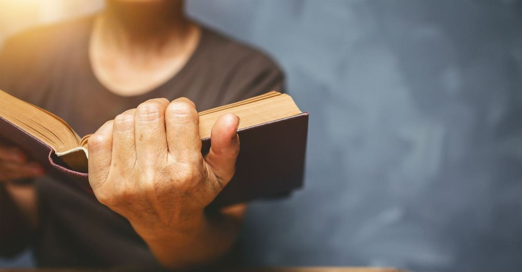 15 Powerful Things We Can Know About God in the Bible