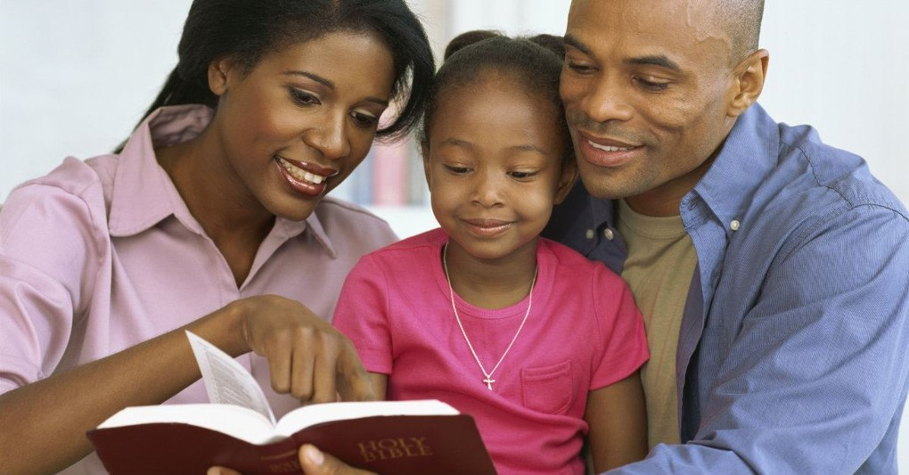 10 Scripture-Based Blessings to Pray Over Your Family
