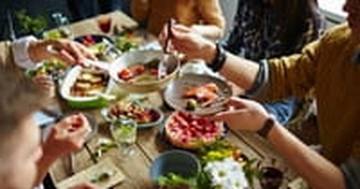 5. A Prayer for Mealtime Fellowship