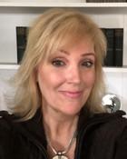 deirdre reilly author headshot bio photo