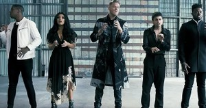 Pentatonix Performs 'The Sound of Silence'