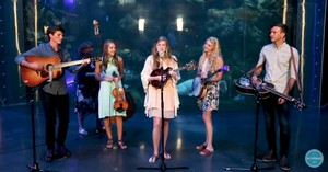 'Wade In The Water' Bluegrass Performance From The Petersens