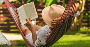 A Summer Christian Reading List for Moms