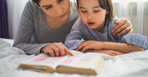 5 Ways Nighttime Bible Reading Will Help You Sleep