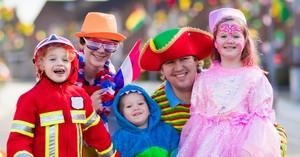 7 Family Costume Ideas for Halloween