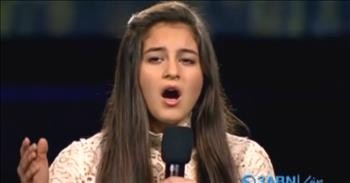 17-yr Old Girl Sings The Reason for Our Great Nation In The Star Spangled Banner