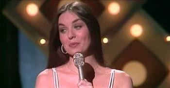 Crystal Gayle Sings A Medley Of Country Hits
