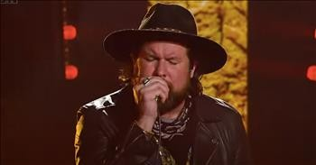 'Empty Grave' Zach Williams Performs Worship Song