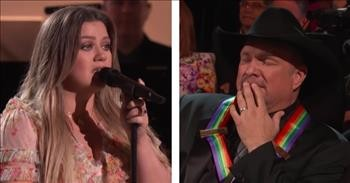 Garth Brooks Cries As Kelly Clarkson Sings His Song 'The Dance'