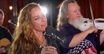 Loretta Lynn's Granddaughter Sings 'Coal Miner's Daughter'