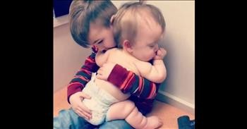 0e6db6fcb3174 Big Brother Comforts Sick Baby Sister - Cute Videos