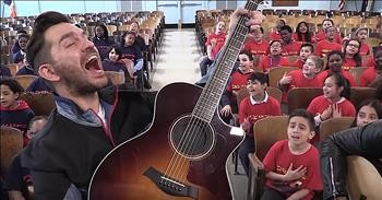 Andy Grammer Sings 'Don't Give Up On Me' With PS22 Chorus