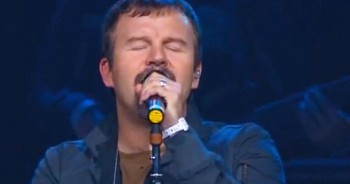 Inspiring Performance of 'Praise You In This Storm' by Casting Crowns