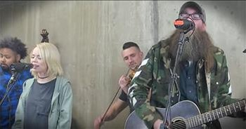 'Nowhere' - Sarah Reeve And Crowder Worship Together