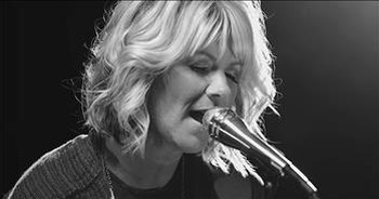'Clean' - Natalie Grant Performs Inspiring Song