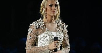 Carrie Underwood Sings 'Softly And Tenderly'