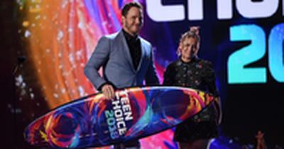 Chris Pratt Shares His Love for God at the Teen Choice Awards