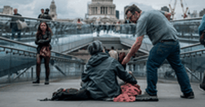 Screen and Stage Actors Sleep Outside in Solidarity with Homeless Youth