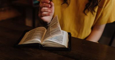 Students Win 'Bible Ban' Case as School Rewrites Policy