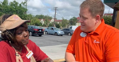 Popeyes Runs out of Chicken Sandwiches, So a Chick-fil-A Worker Walks over to Help
