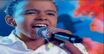 Unforgettable Performance of 'Oh Happy Day' From Brazilian Child Singer