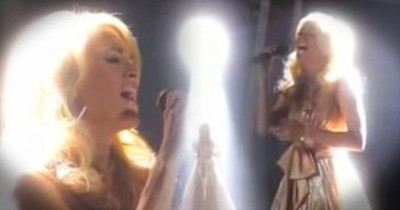 'O Holy Night' – Carrie Underwood Performs Christmas Hymn