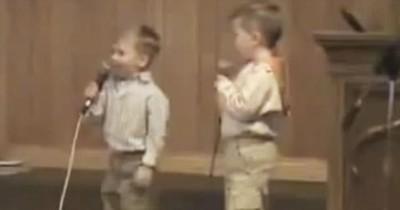 2 Adorable Toddlers Sing He Arose
