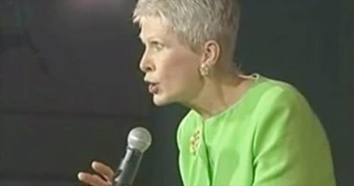 Hilarious Comedian Jeanne Robertson Tells Us Why Older People Shouldn't Bungee Jump