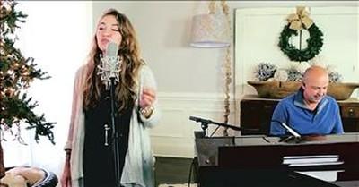 'Light of the World' Lauren Daigle Christmas Performance