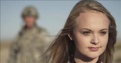 15-Year-Old Sings Beautiful Military Tribute 'Soldier's Light'