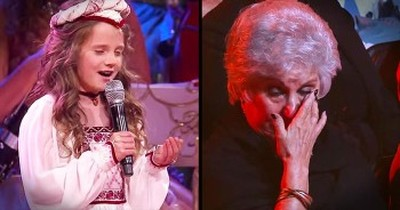 Young Girl's Voice Moves The Audience To Tears