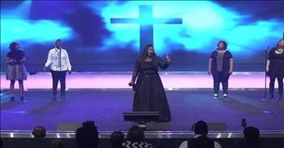 Tasha Cobbs - Jesus Saves (Live)