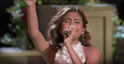Contestant Takes The Crowd To Church With 'I Can Only Imagine'
