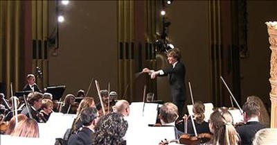 Loud Symphony Note Makes Woman Scream During Concert