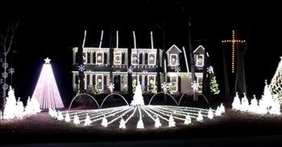 Christmas Light Show Set To 'Mary Did You Know'