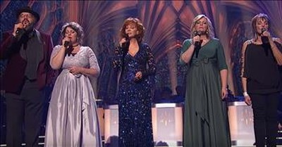 Reba McEntire And The Isaacs Perform 'What Child Is This'
