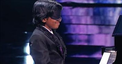 Child Piano Prodigy Plays Classical Tune Blindfolded