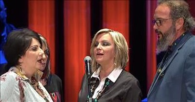 The Isaacs Perform 'The Lord's Prayer' At The Grand Ole Opry
