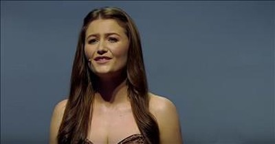 Celtic Woman Performs 'How Can I Keep From Singing'