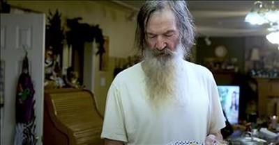 Phil Robertson Shares Prayer For America During Quarantine
