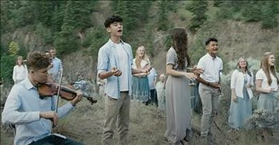 High School Choir Leads Worship With 'No More Night'