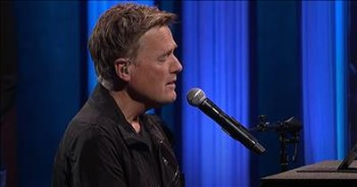 'America The Beautiful' Michael W. Smith Performs At The Grand Ole Opry