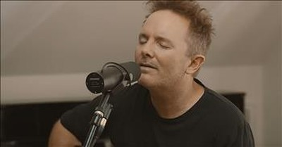 'God Who Listens' Acoustic Performance From Chris Tomlin
