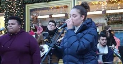 2 Street Performers Stun With 'I Have Nothing' Whitney Houston Duet