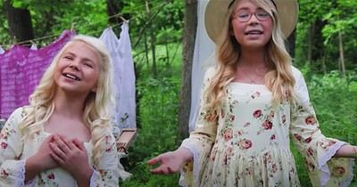 2 Sisters Sing Stunning 'Amazing Grace' Duet