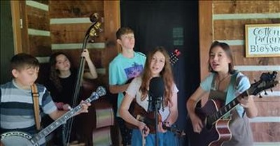 Cotton Pickin' Kids Perform Bluegrass 'Rainbow Connection' Cover