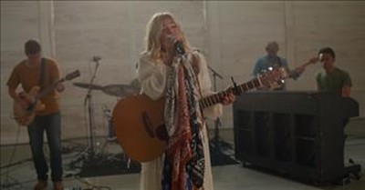 'My Jesus' Anne Wilson Performs Live In Nashville