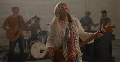 'Devil' Anne Wilson Performs Live In Nashville