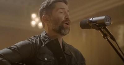 'Me And God' Josh Turner Acoustic Nashville Performance